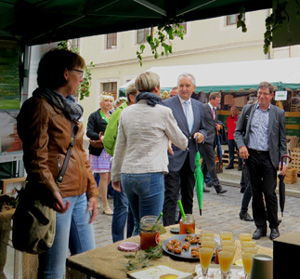 Landesenntedankfest Stand DVL Sachsen Minister Schmidt